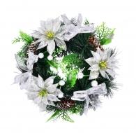 VENIEC zo šišiek a bielych kvetov